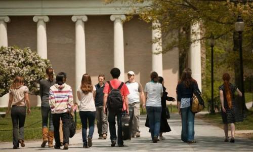 back_students-walk